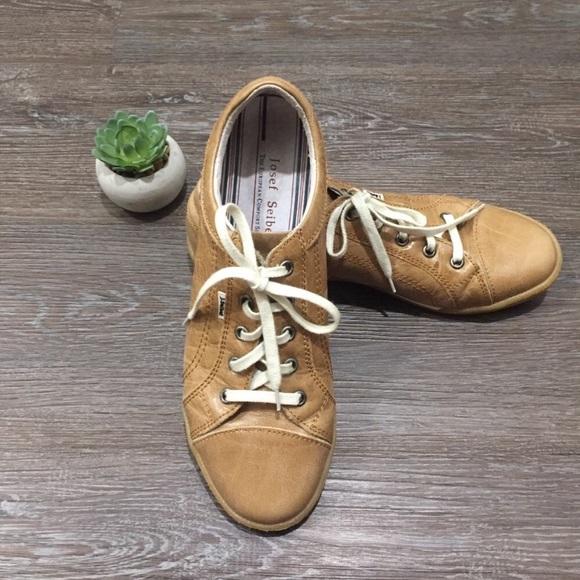 Joseph Siebel 'caspian' casual sneaker size 9